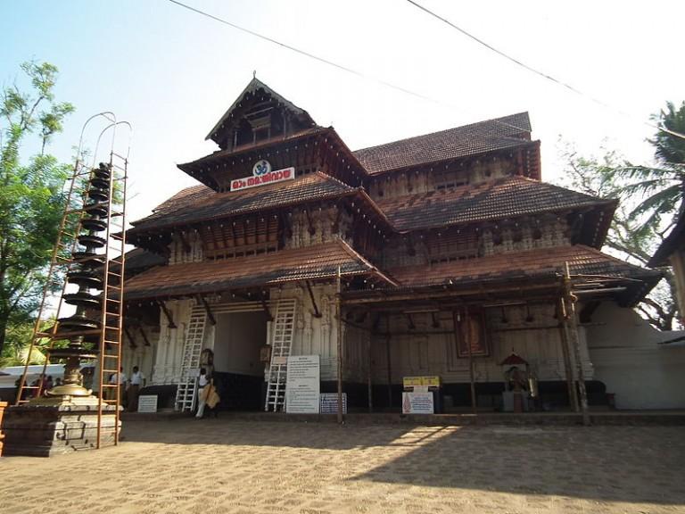 vadakkunnathan-temple-768x576